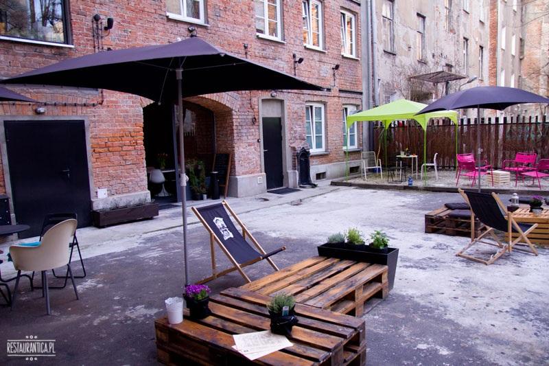 ArtBistro Stalowa 52 patio ogródek