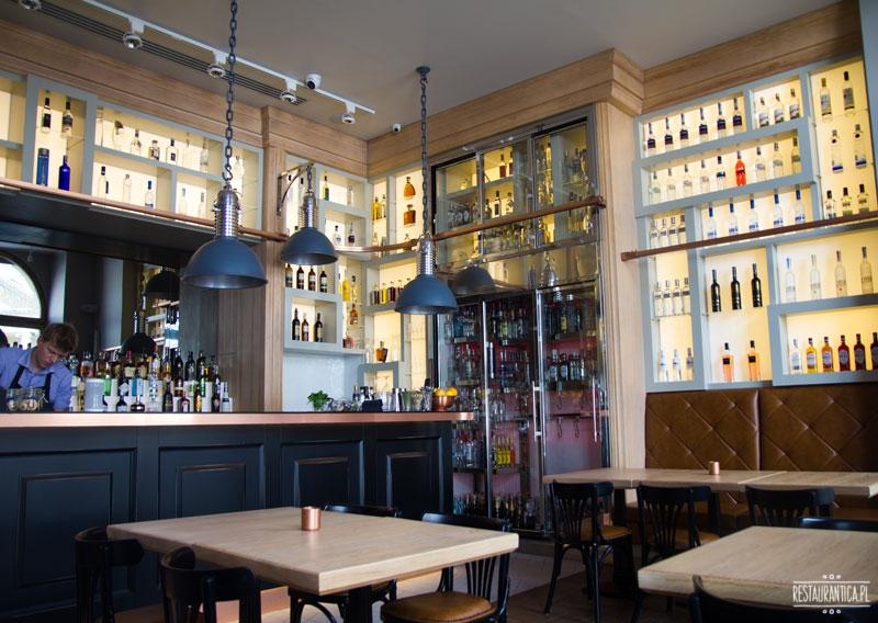 Dom Wódki wnętrze bar