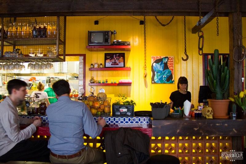 La Sirena Mexican Food Cartek, Warszawa, Piękna, przy barze, bar, meksykańska