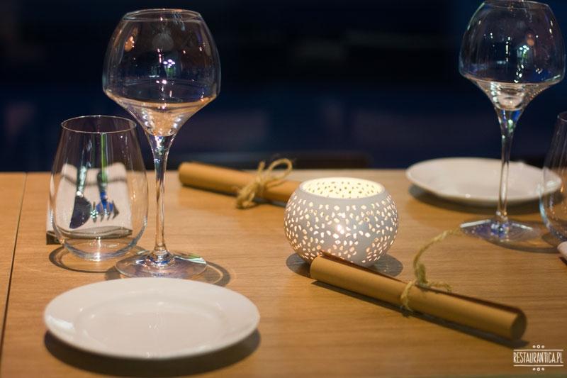 Josephs Bistro Wine, stół, wnętrze, Inflancka, restauracja, Joseph Seelesto