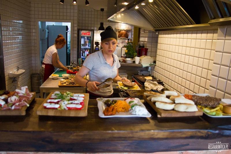 Bałkańska dusza, kuchnia, kuchnia bałkańska, restauracja, Zacisze