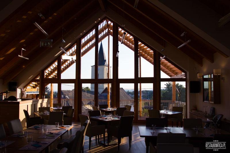 Percze, restauracja, Mad, wnętrze