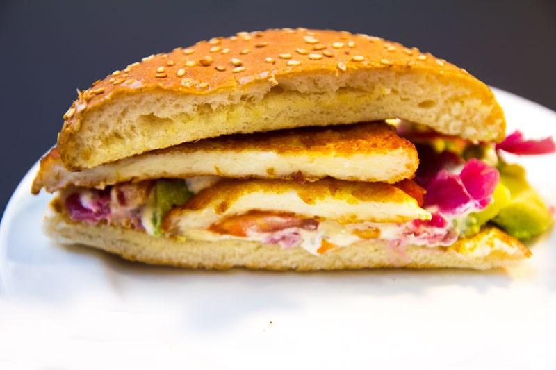 Max Premium Burgers halloumi