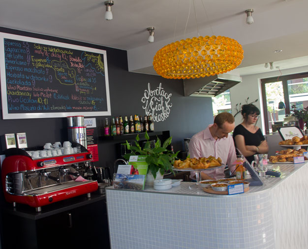 O Obrotach Ciał Niebieskich kawiarnia