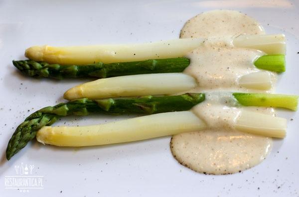Szparagi w Magiel Cafe