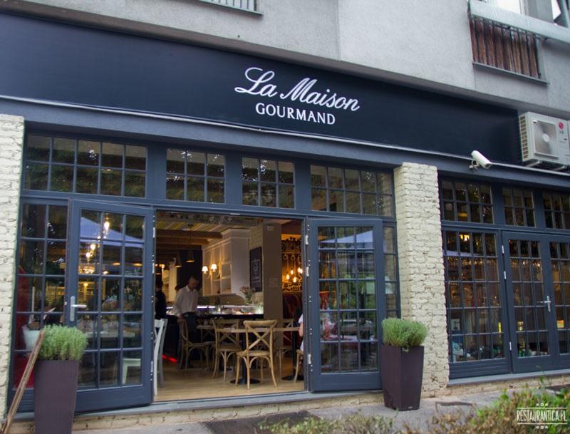 La Maison z zewnątrz