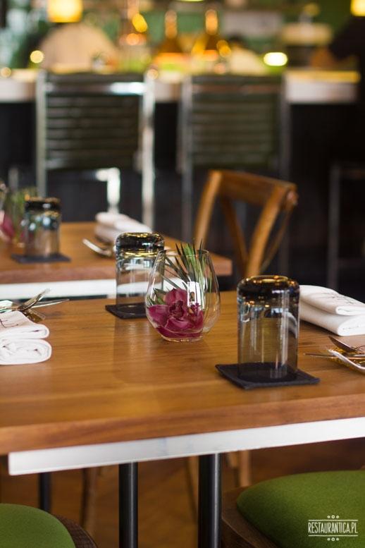 Tippling Club stół