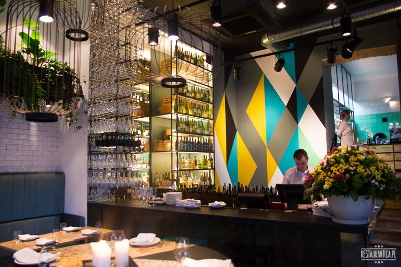 Kieliszki na Hożej, wnętrze, bar
