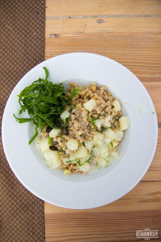 obiad na polu kaszotto szparagi