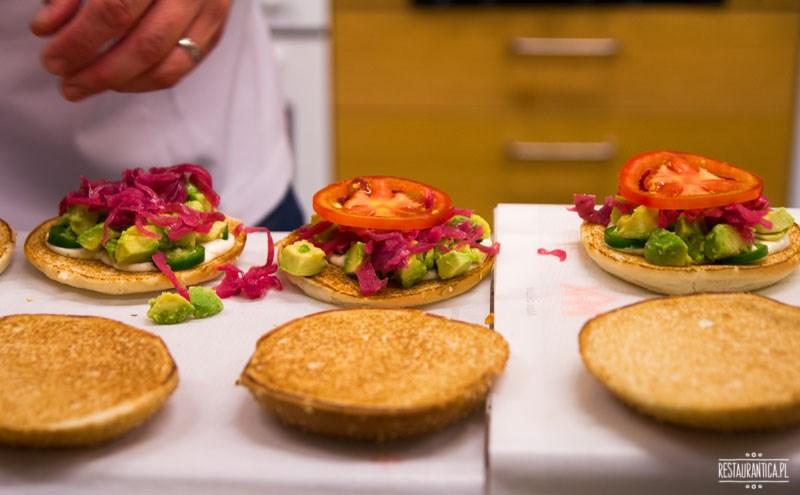 Max Premium Burgers burgery przygotowanie