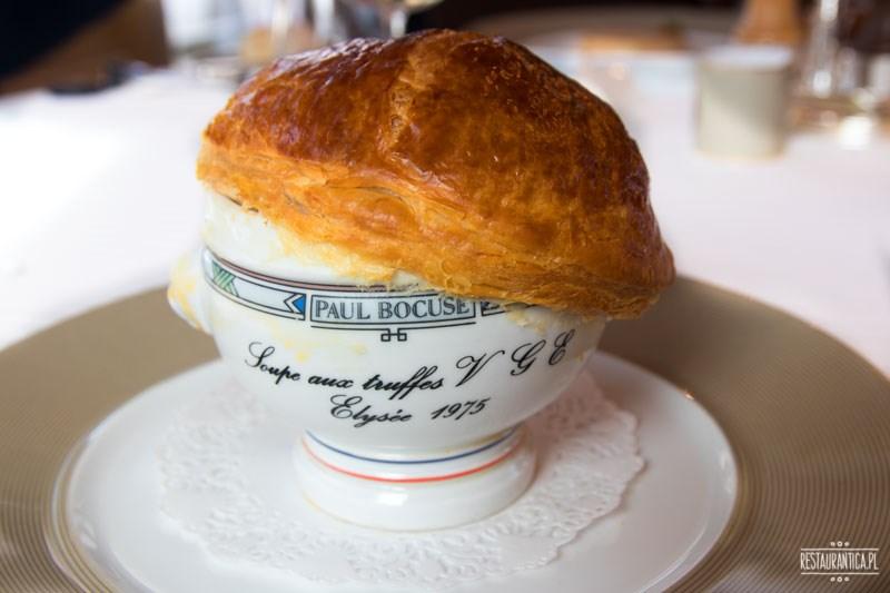 Paul Bocuse zupa truflowa zbliżenie