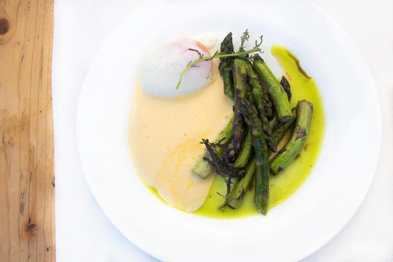 Grunt i woda restauracja szparagi