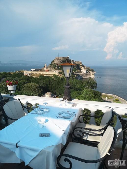 Cavalieri Hotel Korfu stolik