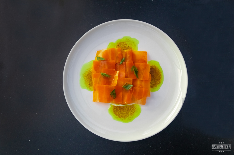 Szóstka młode marchewki
